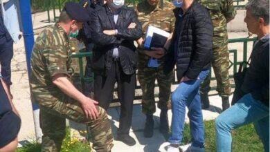 Photo of Bakanın Yanında Bir Subayı Yılan Isırdı